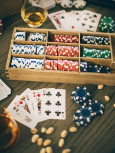 Guide to Understanding Playing Poker Online
